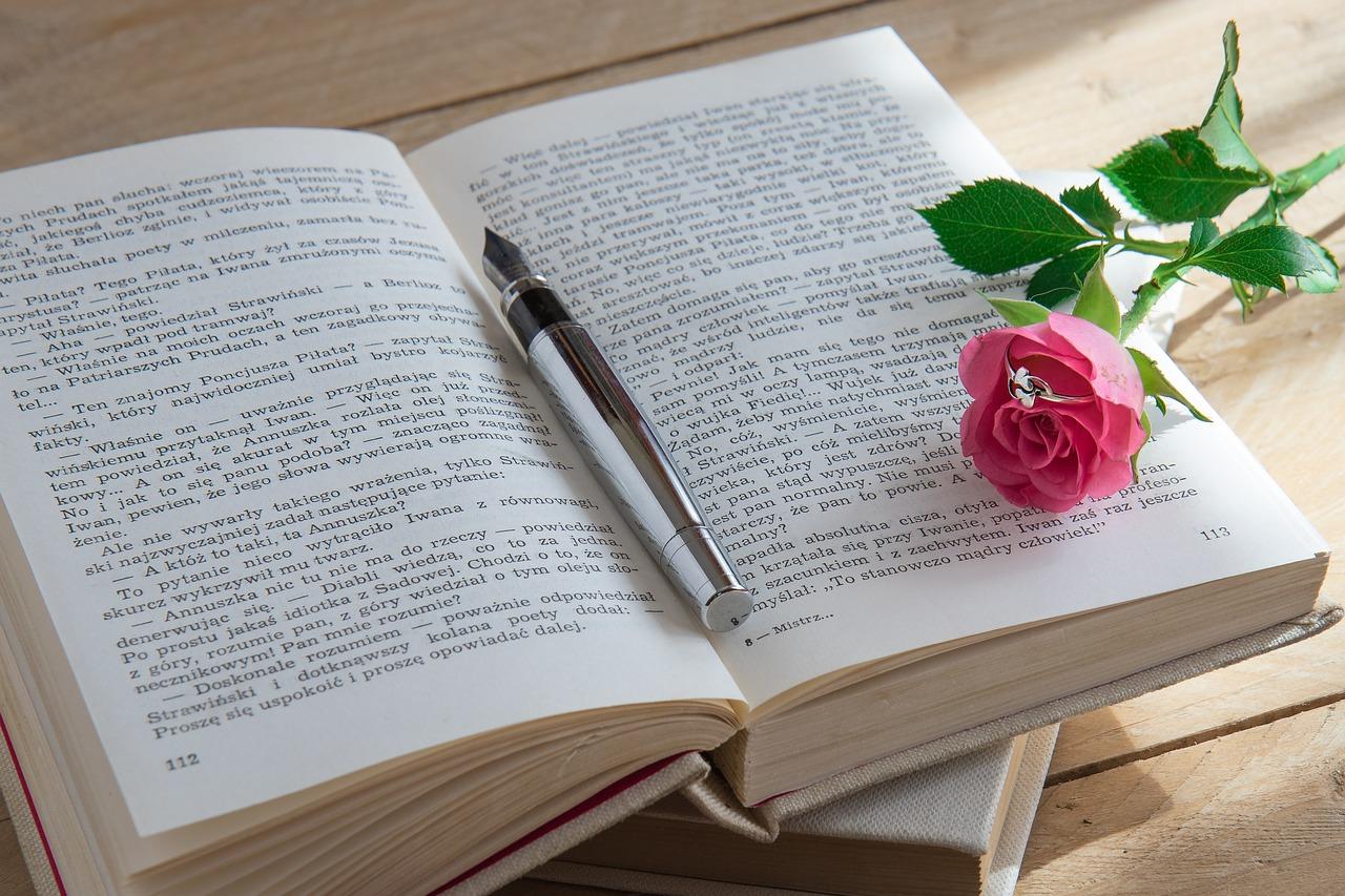 book-2170910_1280
